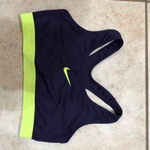 Nike pro dry fit sports bra medium